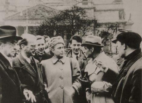 Известные немецкие писатели Анна Зегерс, Бернгард Келлерман, драматург Гвайзенберн в Ленинграде. 1948 год.
