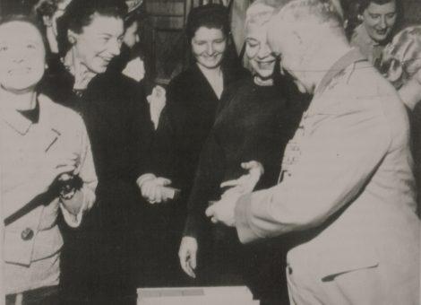 Маршал СССР Георгий Жуков с иностранными гостями Москва, 1957 год.