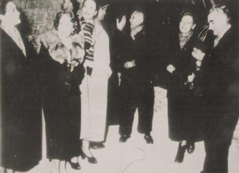 Знаменитости советского кинематографа Любовь Орлова, Клара Лучко, Григорий Александров в гостях у великого французского художника Пабло Пикассо. 1964 год.