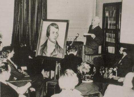 Детский писатель Корней Чуковский на вечере, посвященном 200-летию со дня рождения английского поэта Роберта Бернса.